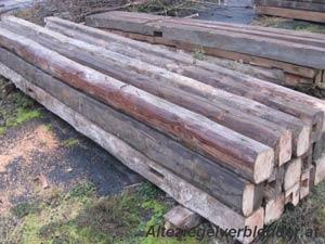 Altholz Balken und Bretter
