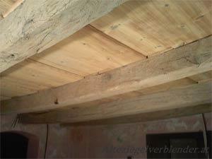 Einhundert Jahre alte Holzdecken im Ganzen demontiert!